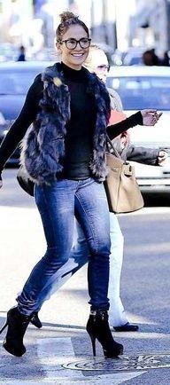 43fa5be1ef2 Jennifer Lopez in cool specs J Lo Fashion
