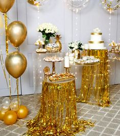 30 The Best New Years Party Decorations For Your Beautiful Moment - New Year marks the end of the previous year and the onset of the coming year. This day is celebrated all over the world with pomp and splendor. In gen. New Years Eve Decorations, Birthday Balloon Decorations, Balloon Decorations Party, Wedding Decorations, Golden Birthday, 50th Birthday Party, Happy Birthday, 50th Wedding Anniversary, Anniversary Parties