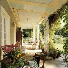 Lovely.  I spy with my little eye that classic southern blue porch ceiling.