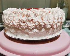 Epres torta   Vivien Papp receptje - Cookpad receptek Vanilla Cake, Desserts, Food, Vanilla Sponge Cake, Meal, Deserts, Essen, Hoods, Dessert
