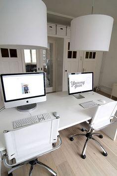 white minimalist home office workspace Bureau Design, Workspace Design, Office Workspace, Home Office Design, Home Office Decor, Home Decor, Office Shelving, Home Design, Decoration Ikea