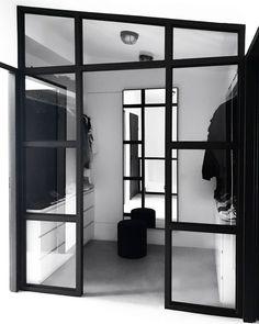 De Grote Verbouwing - De Inloopkast Wardrobe Room, Interior Styling, Interior Design, Bedroom Pictures, Common Area, Walk In Closet, Simple House, Home Look, Master Bedroom