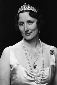 Märtha of Sweden, Crown Princess and wife of Crown Prince Olav, wearing the Vasa Tiara, Norway (1929; diamods, platinum).