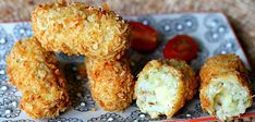 Few will be able to resist these cauliflower cheese croquettes. They are crunchy, pillowy and fantastically cheesy. Try making them for a moreish dinner party starter. Vegetable Recipes, Vegetarian Recipes, Cooking Recipes, Cooking Stuff, Cheese Croquettes Recipe, Dinner Party Starters, Finger Foods For Kids, Great British Chefs, Cauliflower Cheese