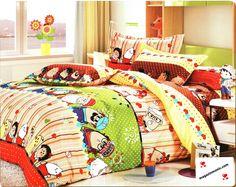 Спално бельо с весел десен. Спално бельо от 4 части в свежи цветове и весели човечета. Изключително меката и приятна материя от сатениран памук, допринася за уюта и комфорта на вашия сън. Внесете стил и свежест в спалнята си.
