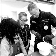 Foodfighter und Gastronom Michael Schieferstein mit Schülern.  Foto: Foodfighters e.V.
