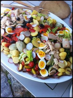 For lunch at my house we created a giant salade Niçoise with amazing ingredients from the garden and farmer's market