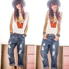 Celebrity Fashion Lookbook Boyfriend Jeans, Oasap Top