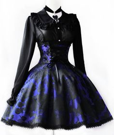 Gothic Lolita Dress... I Would So Wear This. It's So Pretty!