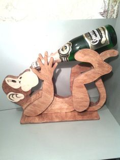 Monkey wine rack hold