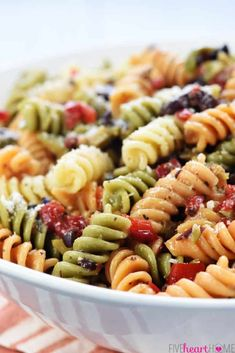 Veggie pasta recipes, vegetable recipes, simple pasta salad, easy p Rotini Pasta Recipes, Veggie Pasta Recipes, Easy Pasta Salad Recipe, Vegetarian Salad Recipes, Easy Salad Recipes, Healthy Recipes, Vegetable Recipes, Quick Recipes, Cheap Recipes