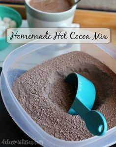 Homemade Hot Cocoa Mix 3 cups chocolate Nesquick cup unsweetened cocoa powder 2 cups non-fat instant dry milk 1 cup dry coffee creamer, any flavor (like Coffee Mate) 1 cup powdered sugar Chocolate Powder, Hot Chocolate Bars, Hot Chocolate Mix, Chocolate Pudding, Hot Chocolate Gifts, Homemade Hot Chocolate, Hot Chocolate Recipes, Swiss Miss Hot Chocolate Recipe, Homemade Food