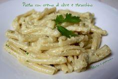 Pasta con crema di olive e stracchino