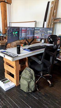My stonk battle station - battlestations Computer Gaming Room, Computer Desk Setup, Gaming Room Setup, Pc Setup, Workspace Design, Office Interior Design, Office Interiors, Casa Bunker, Trading Desk