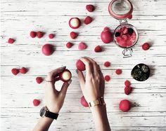 giveaway: eos pomegranate raspberry - bekleidet - fashionblog / travelblog Germanybekleidet – fashionblog / travelblog Germany