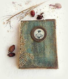 Wood Watch, Decoupage, Handmade, Accessories, Vintage, Paper, Wooden Clock, Hand Made, Vintage Comics