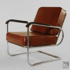 Cantilever armchair by Walter Knoll