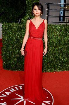 I love Selena Gomez's fashion here. It's so alluring.