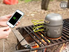 Powerpot  uses thermoelectric technology to heat up food and recharge your USB compatible devices.