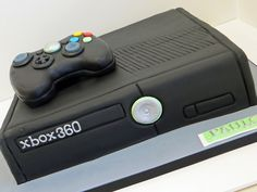 xbox cake by cakespace - Beth (Chantilly Cake Designs), via Flickr