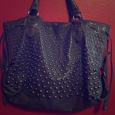 ❤️ Brown & Silver Studded Purse ❤️ Just an amazing bag.  I have Wwwwaaaaaaayyyyyy to many. Need to weed some out Bags Shoulder Bags