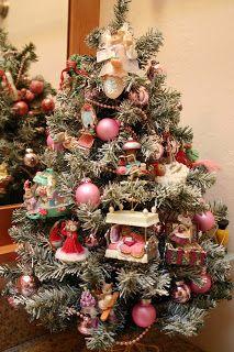 Enesco Miss Merry Mouse Christmas Ornaments