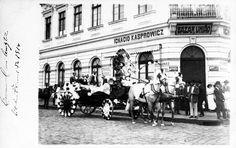 Curitiba - Carroça alegórica, na chamada Batalha das Flores, registrada em 1920.