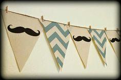 Mustache banderines