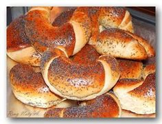 Cream Cheese Kolache Recipe, Prague Food, Bread Dumplings, Macedonian Food, Homemade Dinner Rolls, Garlic Soup, Czech Recipes, Food Garnishes, Cheese Fries