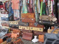 Brussels Vintage Market primer domingo del mes : 12:00-19:00 Dirección Halles Saint-Géry Place Saint Géry 1  1000 BRUXELLES