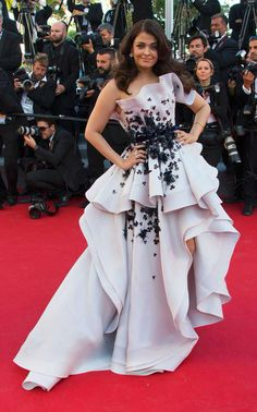 Glamorous Aishwarya Rai Bachchan Charms on the Red Carpet in Ralph & Russo couture gown at Cannes 2015   #AishwaryaRaiBachchan #Gown #Cannes2015