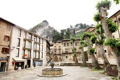 A random scenery in Estella-Lizarra, Spain    Estella Lizarra Ciudad Medieval en Navarra  http://parquelosdesvelados-calaverasestella.blogspot.com.es/  http://estellalizarra-ciudadmedieval.blogspot.com.es/  www.casaruralnavarra-urbasaurederra.com  http://elcaminodesantiago-estellalizarra.blogspot.com.es  http://nacedero-rio-urederra.blogspot.com.es/
