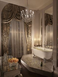 Decorating and Renovation Ideas For Design Home – Modern House Ideas Dream Bathrooms, Beautiful Bathrooms, Master Bathrooms, Dream Rooms, Romantic Bathrooms, White Bathrooms, Gold Bathroom, Luxury Bathrooms, Bathroom Faucets