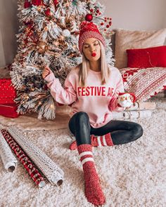 cozy outfit for Christmas morning / red hat pink sweatshirt leggings . cozy outfit for Christmas morning / red hat pink sweatshirt leggings knit . cozy outfit for Christmas morning / red hat pink sweatshirt leggings knit socks lindsey ☀ gravely -