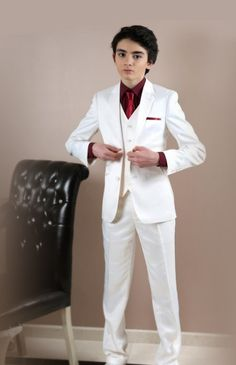 Boys Wedding Suits, Boy Fashion, Mens Fashion, Boys Suits, Suit And Tie, Beautiful Eyes, Boy Outfits, Formal, Chic