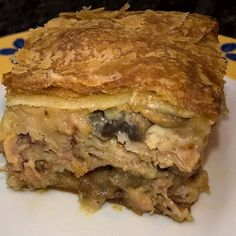 Rainy weather = comfort food time. And what's a better comfort food than a hearty pie? Chicken puff pastry pie with mushrooms, bacon and a cheese sauce made with freshly prepared chicken stock, mozzarella and smoked cheese. #pieoftheweek
