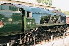 Southern Trains, Old Steam Train, Steam Railway, Southern Railways, Merchant Navy, Bullen, British Rail, Train Engines, Battle Of Britain