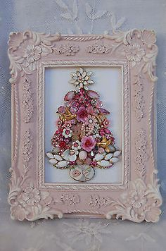 vintage jewelry framed Christmas tree * Perfectly Pink in Collectibles, Holiday & Seasonal, Christmas: Modern Shabby Chic Christmas, Pink Christmas, Vintage Christmas, Jewelry Frames, Jewelry Tree, Silver Jewelry, Jewelry Ideas, Pink Jewelry, Gold Jewellery