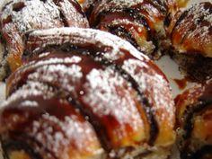 קרואסון שוקולד שמרים רטובה וטובה-פירגה Meatloaf, Cake Cookies, No Bake Cake, Cookie Dough, Sausage, Cake Decorating, Good Food, Food And Drink, Cooking Recipes