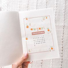 """Blossom Bujo 🌸 sur Instagram: Hi everyone!! ✨ Aaand this is my August cover page 🍊 . My theme will be """"tangerines""""!!! I went for a simple and cute set up, using doodles,…"""