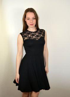 Kurzes schwarzes kleid spitze