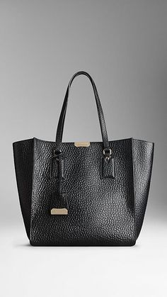 Medium Heritage Grain Leather Tote Bag | Burberry