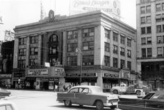 The Palace Theater in downtown Youngstown in the early 1960s. Electronic image courtesy of Historic Images. All rights reserved.
