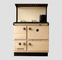 Reconditioned Stanley Super Star Cream Enamel with Plate Rack and Splash Back Waterford Stanley, Range Cooker, Plate Racks, Central Heating, Superstar, Home And Family, Cookers, Interior Design, Stars