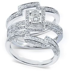The reason the princess-cut diamond is a favorite among diamond lovers is that gives the wearer the best of everything a diamond can offer. Not only does the princess cut look unique and stand out in
