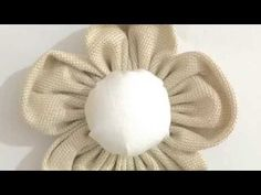 Come fare i fiori di stoffa shabby: Video tutorial semplice e super veloce per realizzare dei fiori di stoffa in stile shabby. Cloth Flowers, Diy Flowers, Fabric Flowers, Sewing Crafts, Sewing Projects, Shabby Chic Flowers, Hobbies For Kids, Diy And Crafts, Arts And Crafts