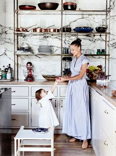 The house is located in Venice beach, and belongs to actress Denise Vasi and her husband commercial director Anthony Mandler. While the stylish couple is responsible for the interior design, they als Style At Home, Home Interior, Kitchen Interior, Kitchen Decor, Mansion Interior, Interior Shop, Kitchen Shop, Kitchen Corner, Kitchen Hacks