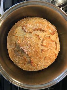 Acabei de fazer esse pão pela primeira vez e, depois de provar, vim correndo aqui postar a receita para vocês! É um pão INCRIVELMENTE fácil de fazer e delicioso! A única coisa que você precisa real… Food C, Love Food, Veggie Snacks, No Salt Recipes, Portuguese Recipes, Cooking Time, Smoothie Recipes, Food Porn, Food And Drink