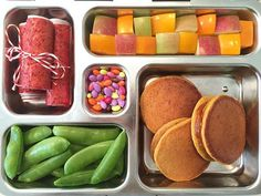 Pumpkin Pancakes + Pumpkin Butter Sandwiches, apple, persimmon, sugar snaps, #dyefree sunflower seeds + strawberry fruit leather #weelunches #schoollunch
