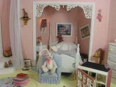 """1:12 SCALE MINIATURE ROOMBOX BASED ON THE CHILDREN'S ROOM FROM THE MOVIE """"HOOK"""" WITH ROBIN WILLIAMS & DUSTIN HOFFMAN Sleeping nook , right side."""